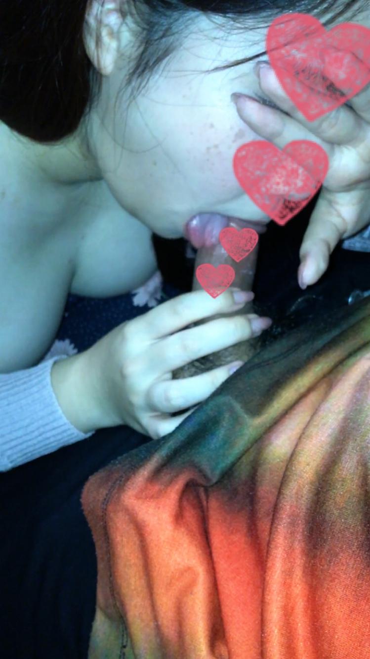 【個人撮影】ぽっちゃり娘(21)にマンションの階段でフェラ抜きしてもらいました。口内射精 即尺 露出